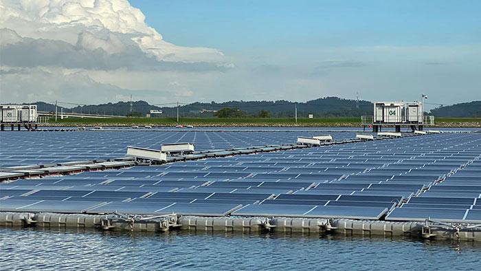 Sembcorp Tengeh Floating Solar Farm, Singapore